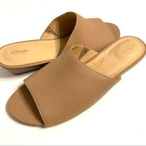 Clarks Women's Parram Waltz Platform Wedge Sandals